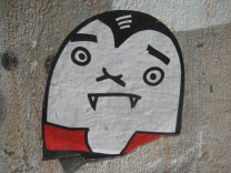 Street Art Vampire (unknown artist)